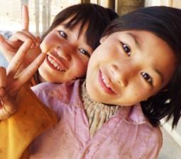 peace twee kindjes nepal WMH 380