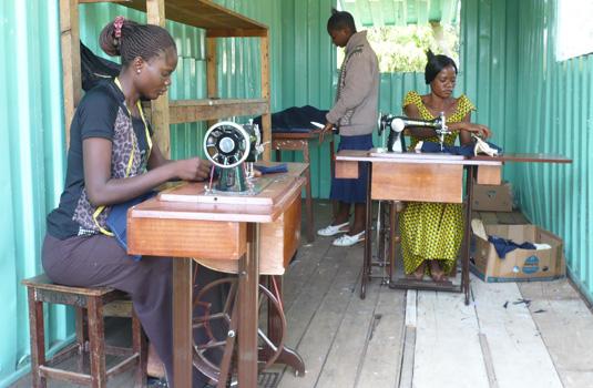 vrouwen naaimachine WMH 535