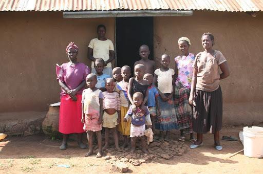 vrouwen en kinderen kenia