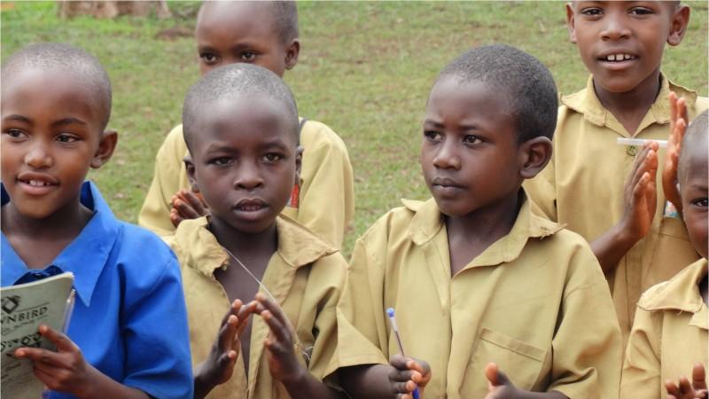 schoolkinderen rwanda